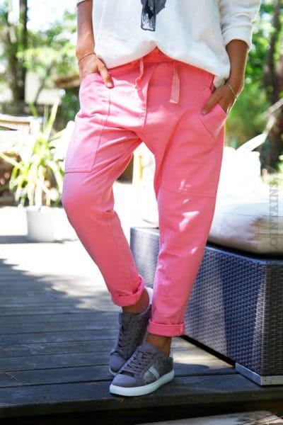 Pantalon-de-jogging-urbain-à-poches-rose-04-2