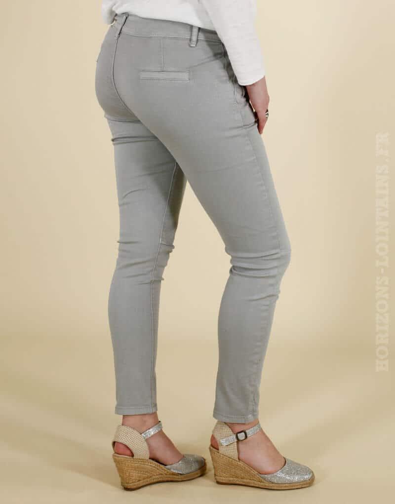 Pantalon chino gris, poches zip devant