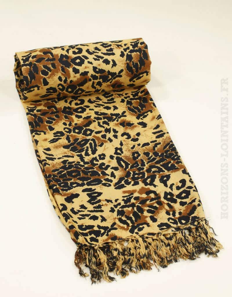 Paréo de plage long motif savane afrique léopard et panthère