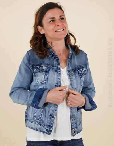 Veste en jean délavage moyen avec boutons