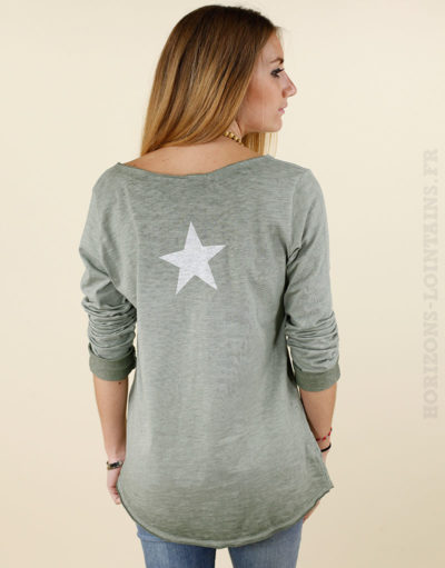 T-shirt étoile dans le dos col v manches longues kaki 02