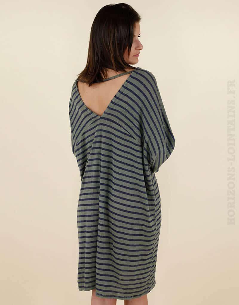 robe ample kaki ray e marine d collet dans le dos romane horizons lointains. Black Bedroom Furniture Sets. Home Design Ideas