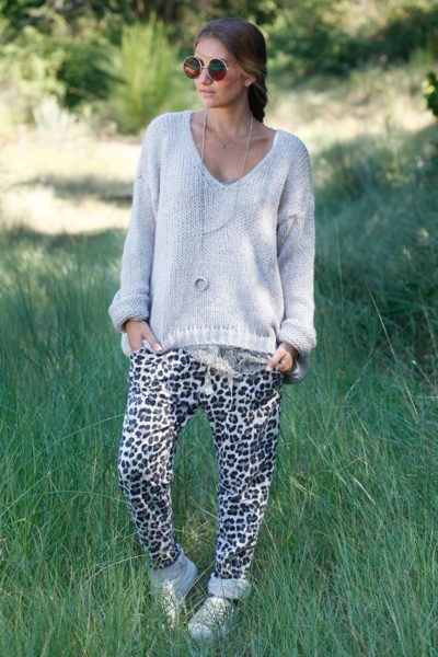 Pull-grosses-mailles-taupe,-col-v-100-2