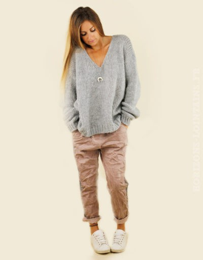 Pull grosses mailles gris perle, col v
