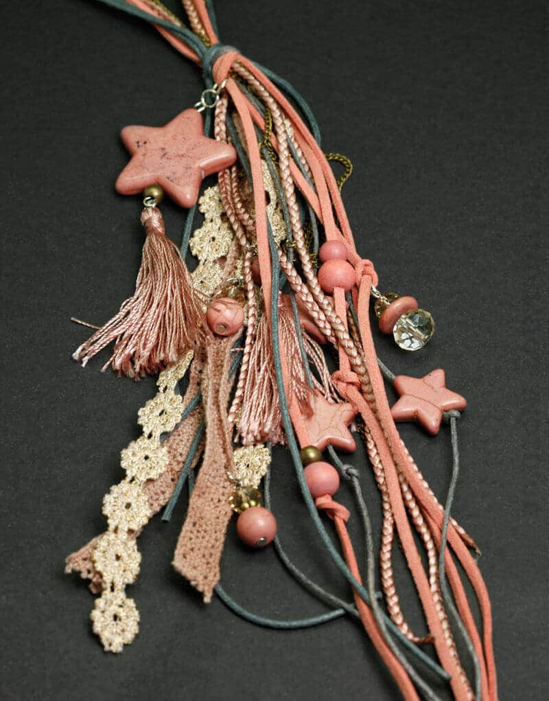 Collier lacet bleu et rose, étoiles & breloques 02