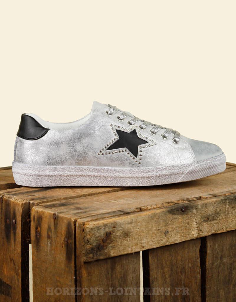 Baskets / sneakers vintage argentée, étoile noire