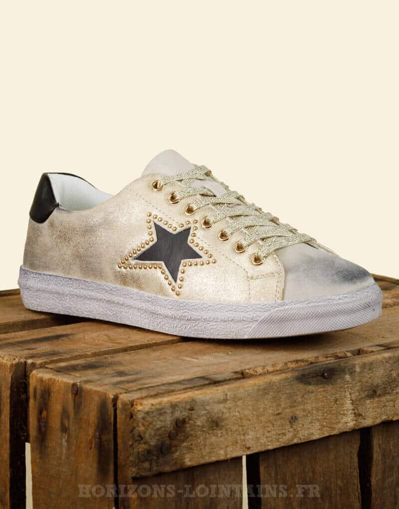 Baskets / sneakers vintage dorée, étoile noire
