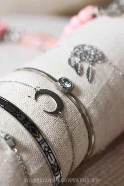 bracelet acier couleur argent croissant lune