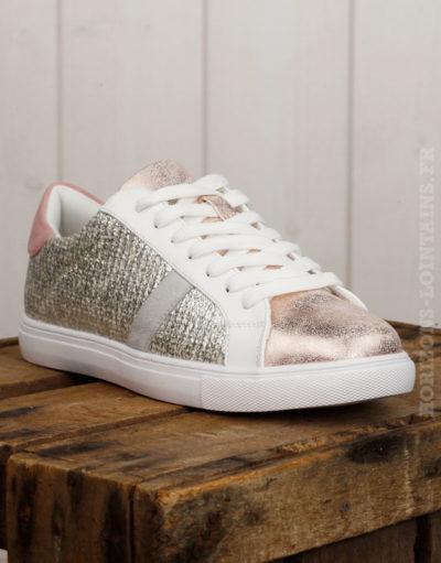 Baskets roses et argentées, bande grise, talon rose