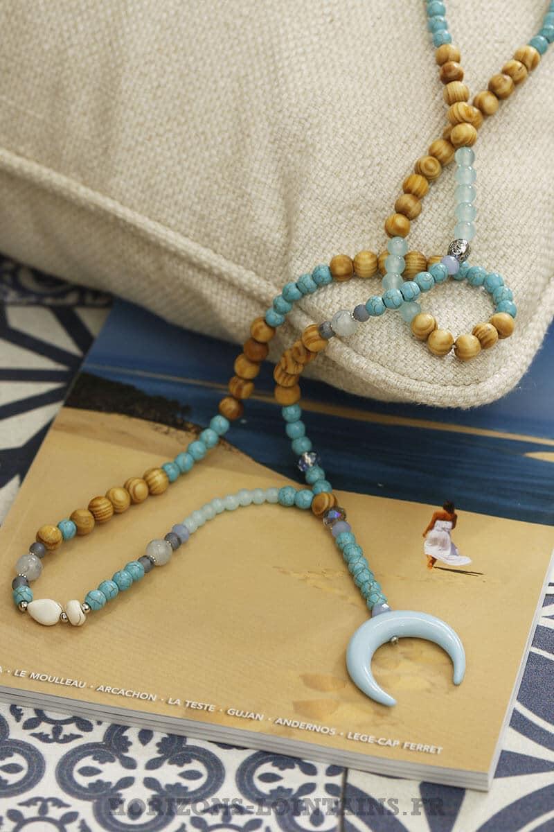 collier bleu grande corne croissant lune turquoise