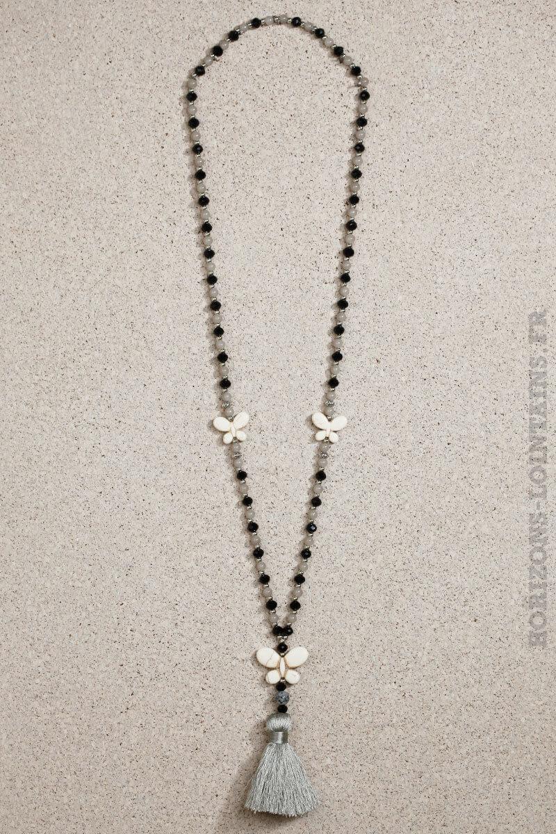 collier papillon écru pompon gris perles grises noires