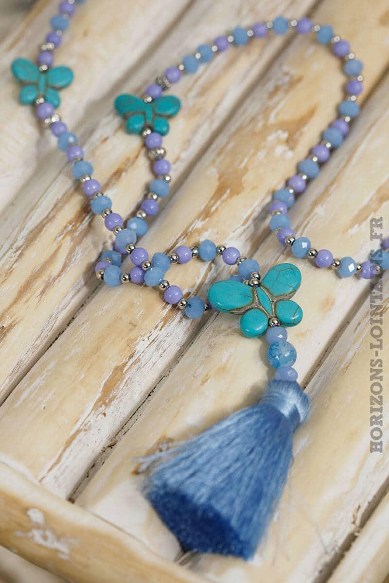 collier papillon vert eau turquoise pompon perles bleues lavande
