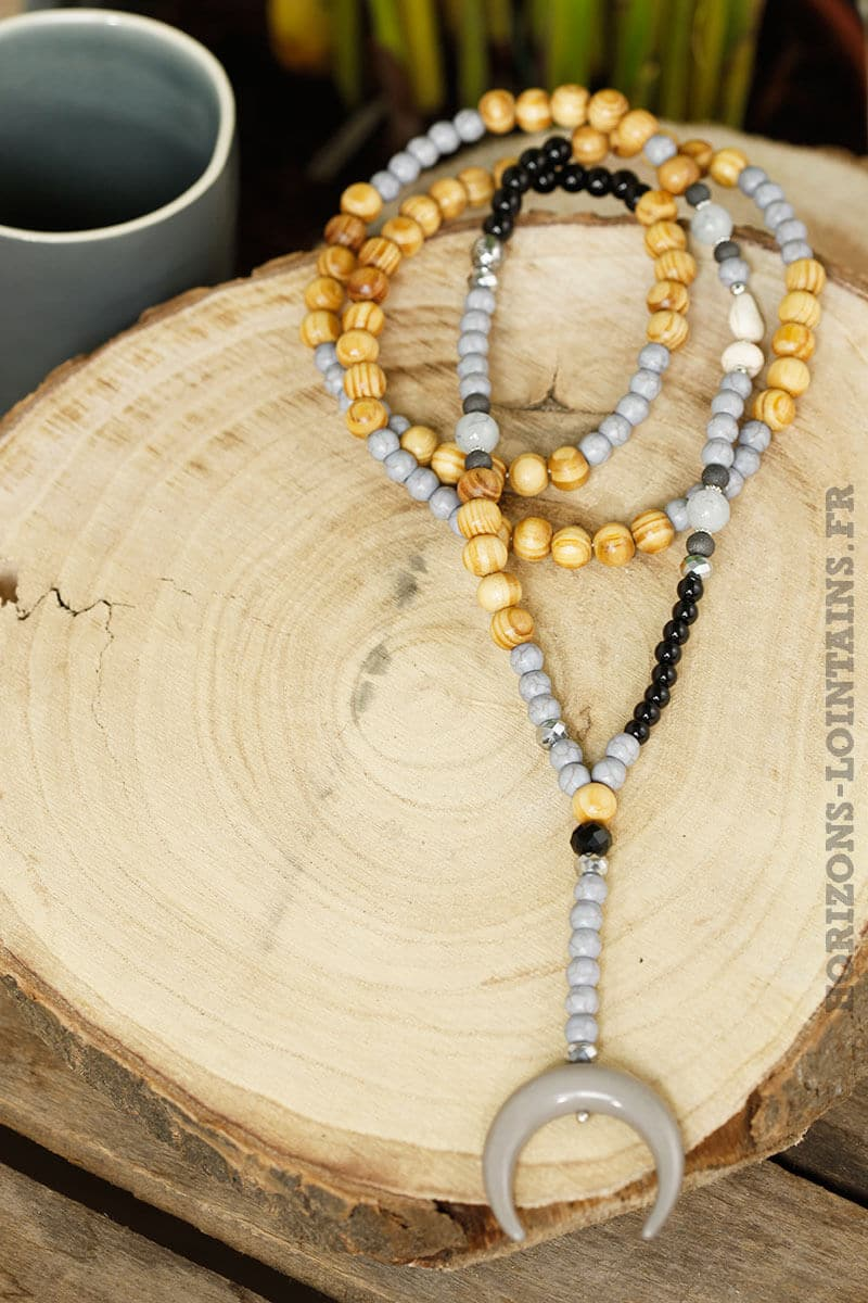 colliers perles bois corne croissant lune grise
