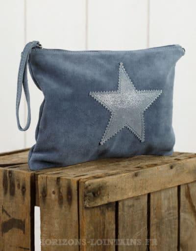 Grande pochette étoile en croûte de cuir bleu jean