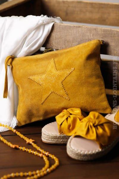 grande pochette cuir velours moutarde avec étoile brillante