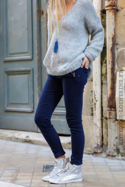 jean-bleu-marine-poches-zip-pantalon-femme-look-moderne