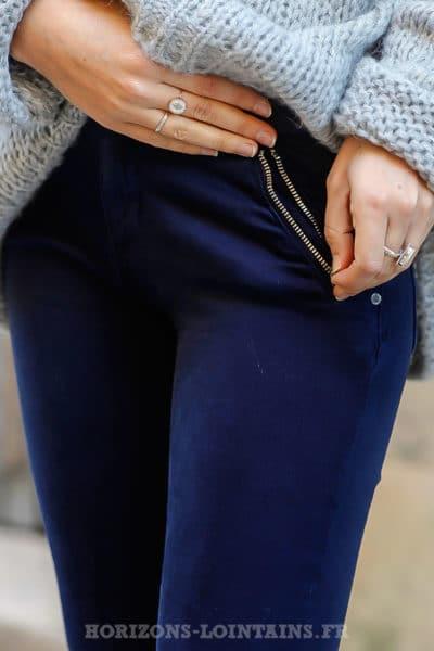 jean-bleu-marine-poches-zip-pantalon-femme-look- a8922b08599e