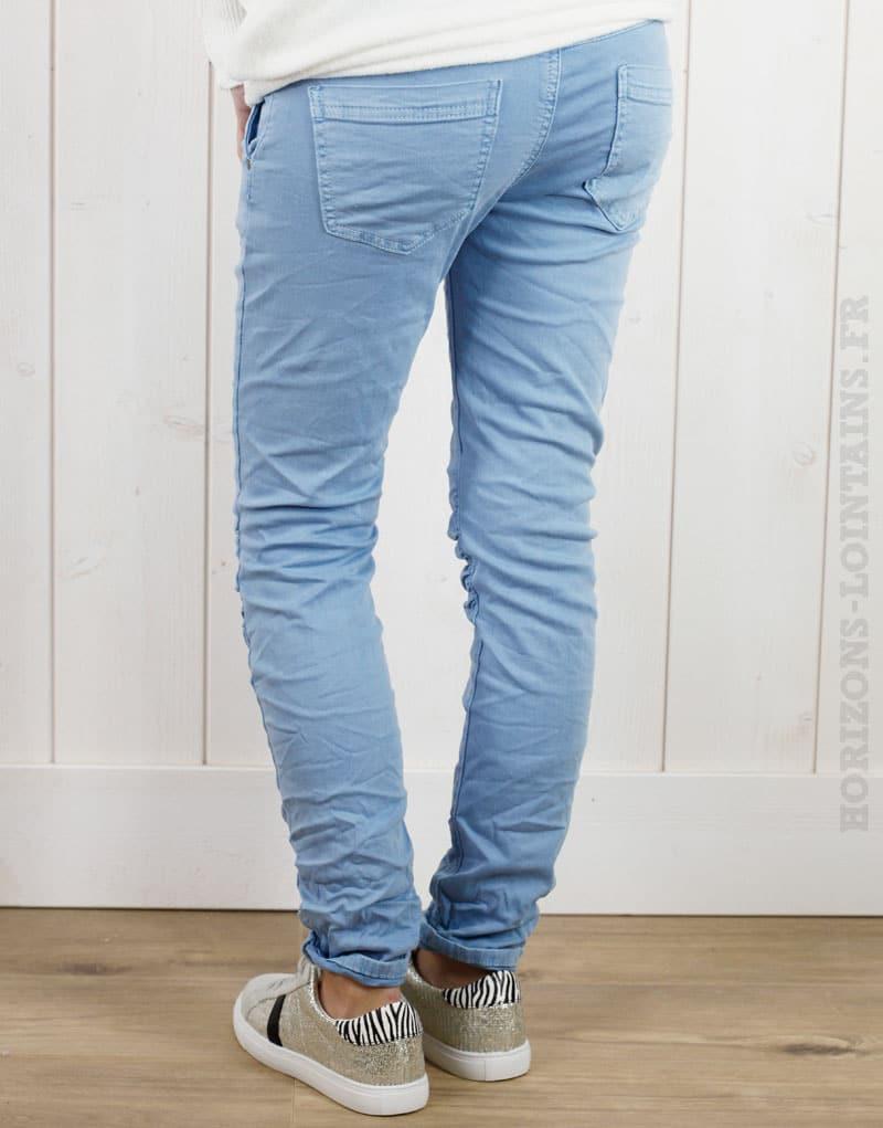 Pantalon bleu ciel, ceinture lacet