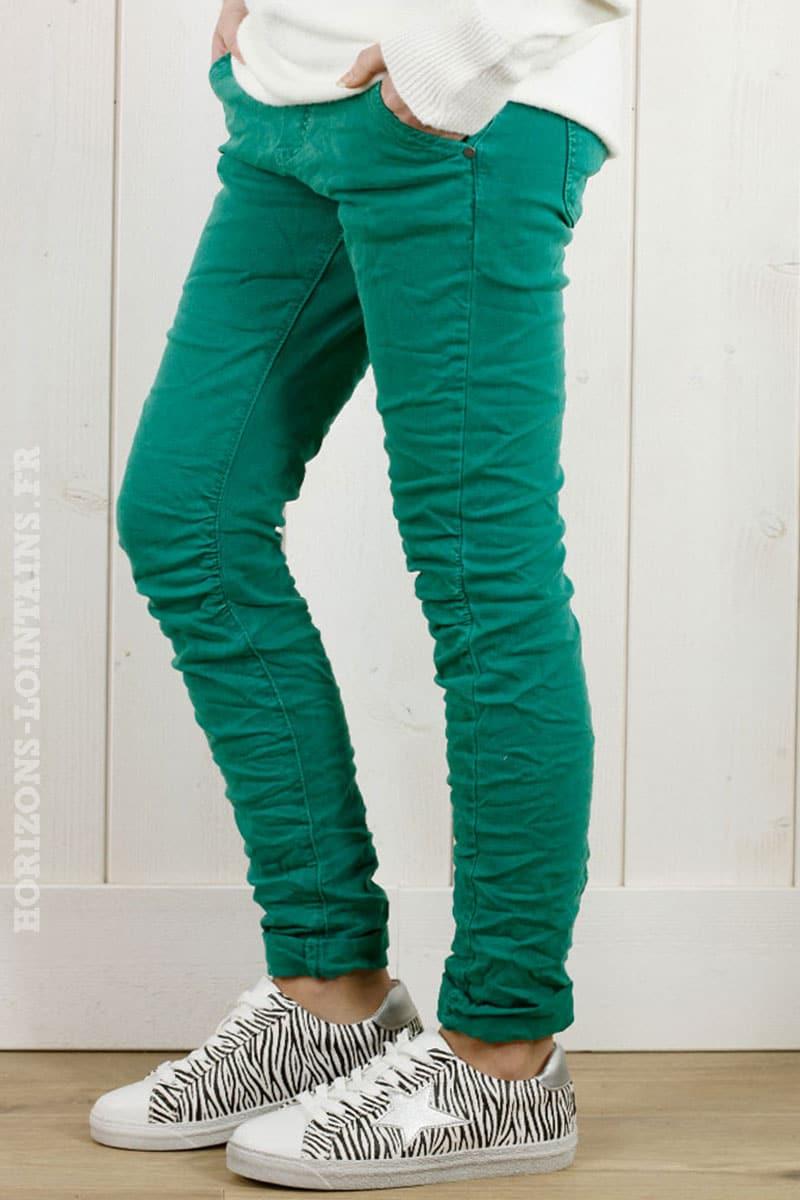 meilleur service a6f43 16a38 Pantalon vert, ceinture lacet