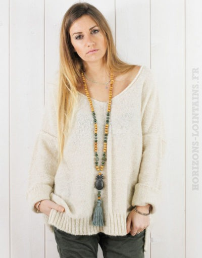 Pull beige col V, coutures exterieures