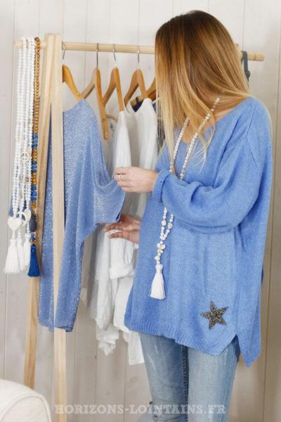 Pull bleu lavande col V, étoile brillante