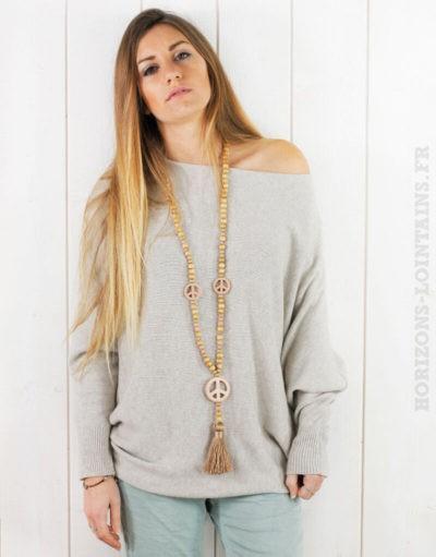 Pull beige oversize, perles au dos