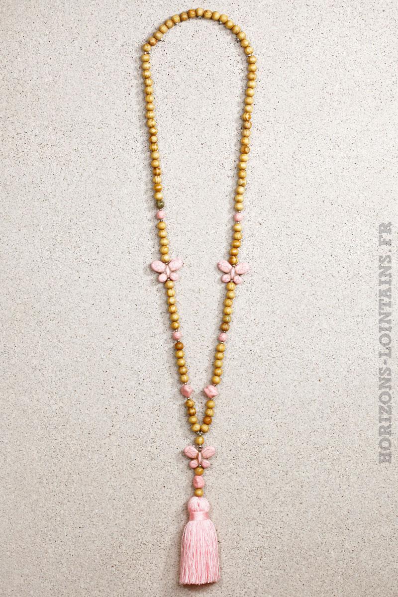 Collier perles bois papillons marbrés roses