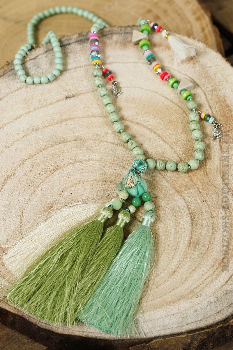 collier perle avec pompon