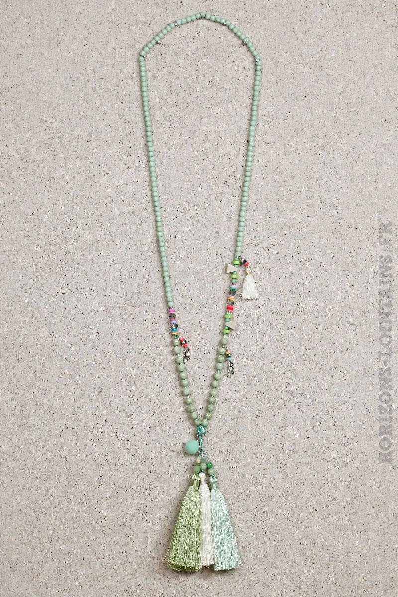 Collier perles vertes trio pompons verts