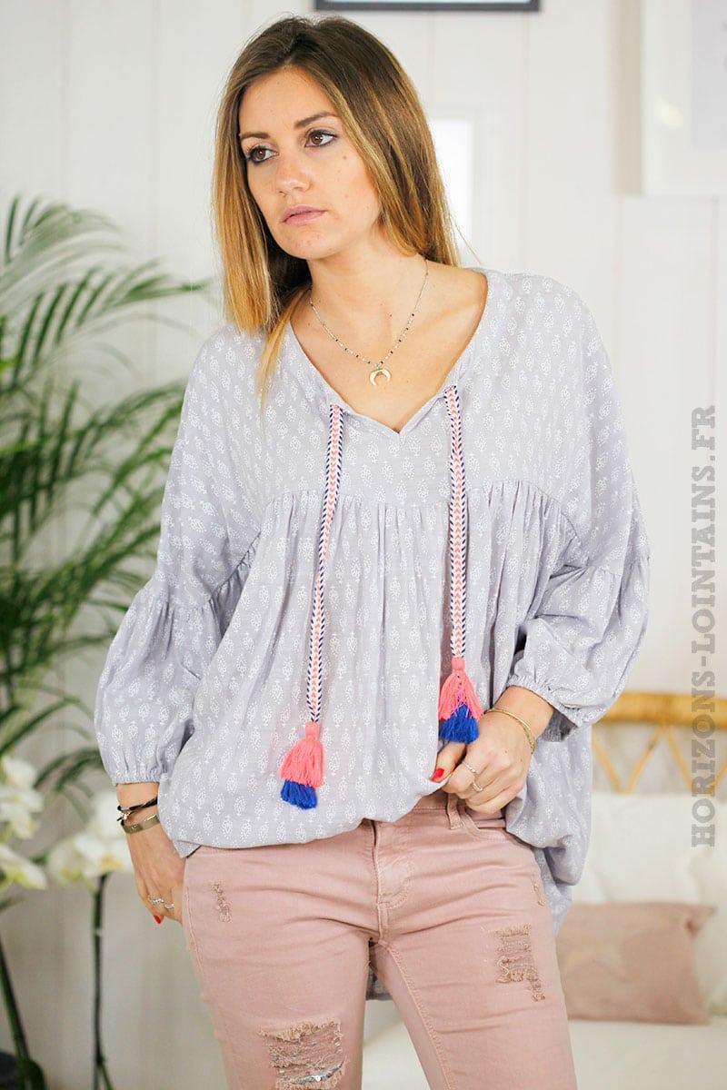 tunique grise motifs col lacet pompons rose bleu