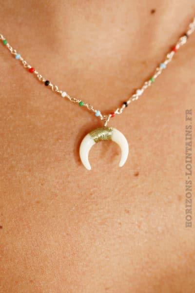 Collier chaîne rose gold perles fines multicolores croissant lune corne