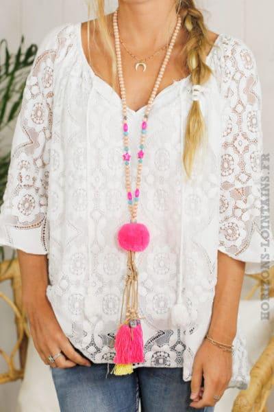 Collier perles bois pompon rose fluo