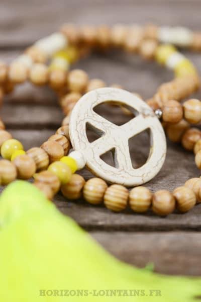 Collier sautoir perles bois peace jaune fluo