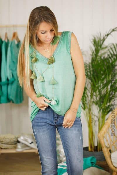 Débardeur vert encolure argentée, col v devant et dos 2