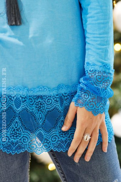 Sous-pull-turquoise-manches-longues-dentelle-b10