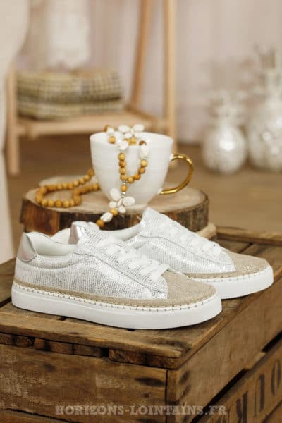 baskets argentées blanches avant toile