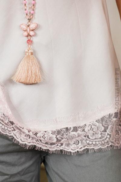 caraco rose pâle avec dentelle détail
