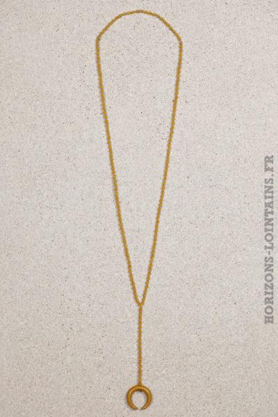 collier petites perles moutarde corne croissant lune