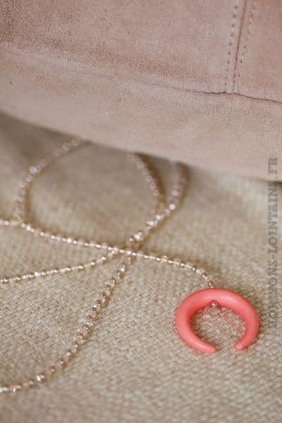 collier petites perles rose corne croissant lune fushia