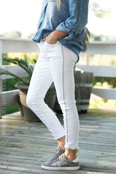 pantalon-jean-blanc-b007-bande-perlée