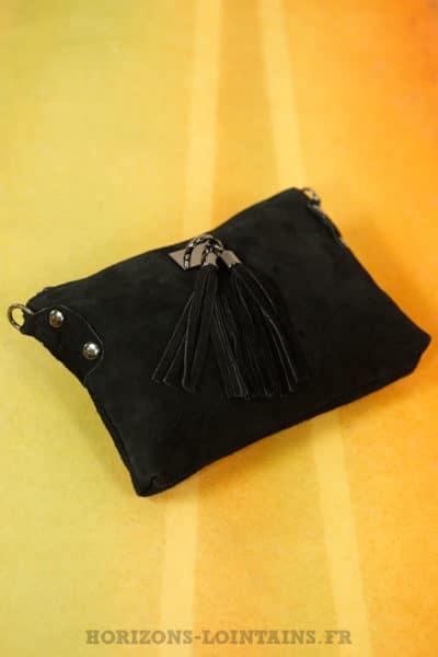 pochette noire pompons noirs croûte cuir