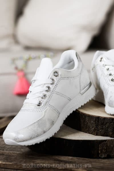 Baskets blanches argentées & strass, style chaussures running