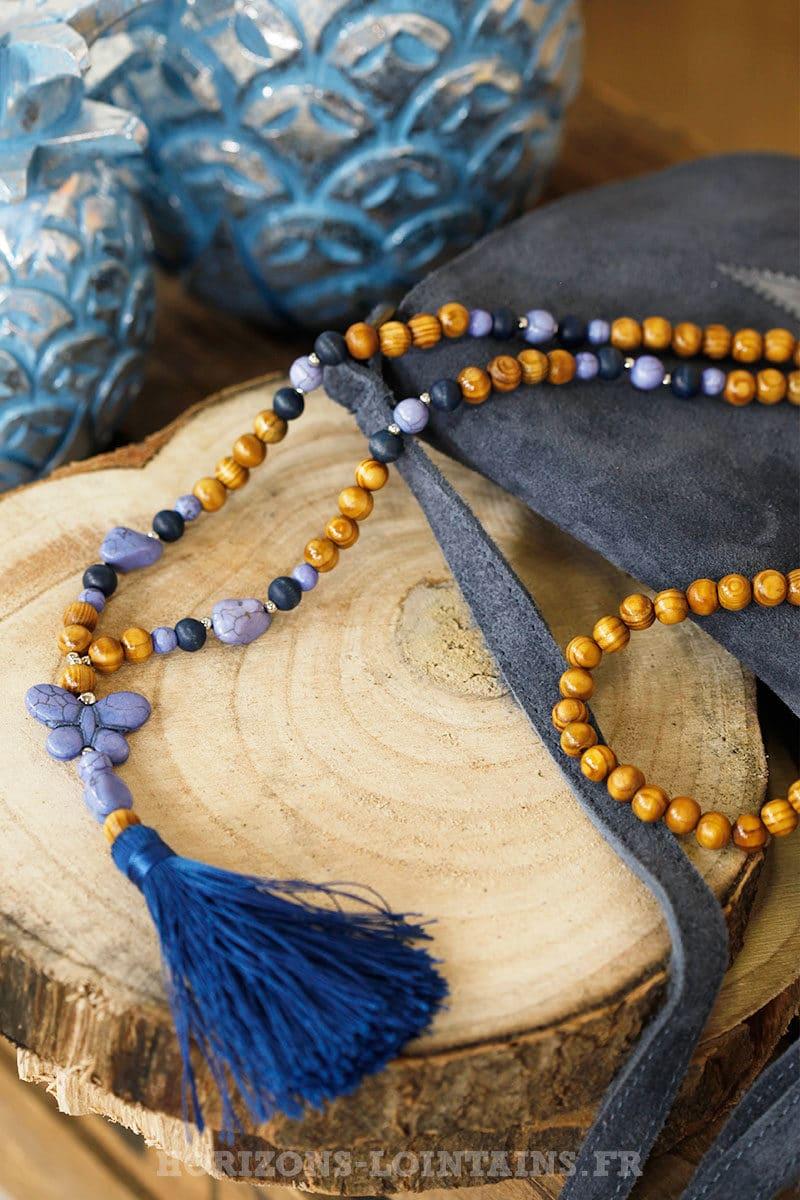 Collier perles bois papillon bleu nuit horizons lointains for Chambre de nuit en bois