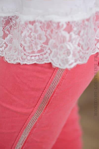 Jean framboise, bandes perlées