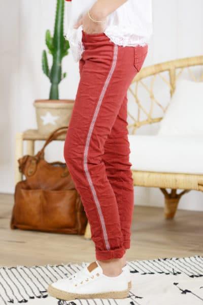 Jean rouge, bandes perlées
