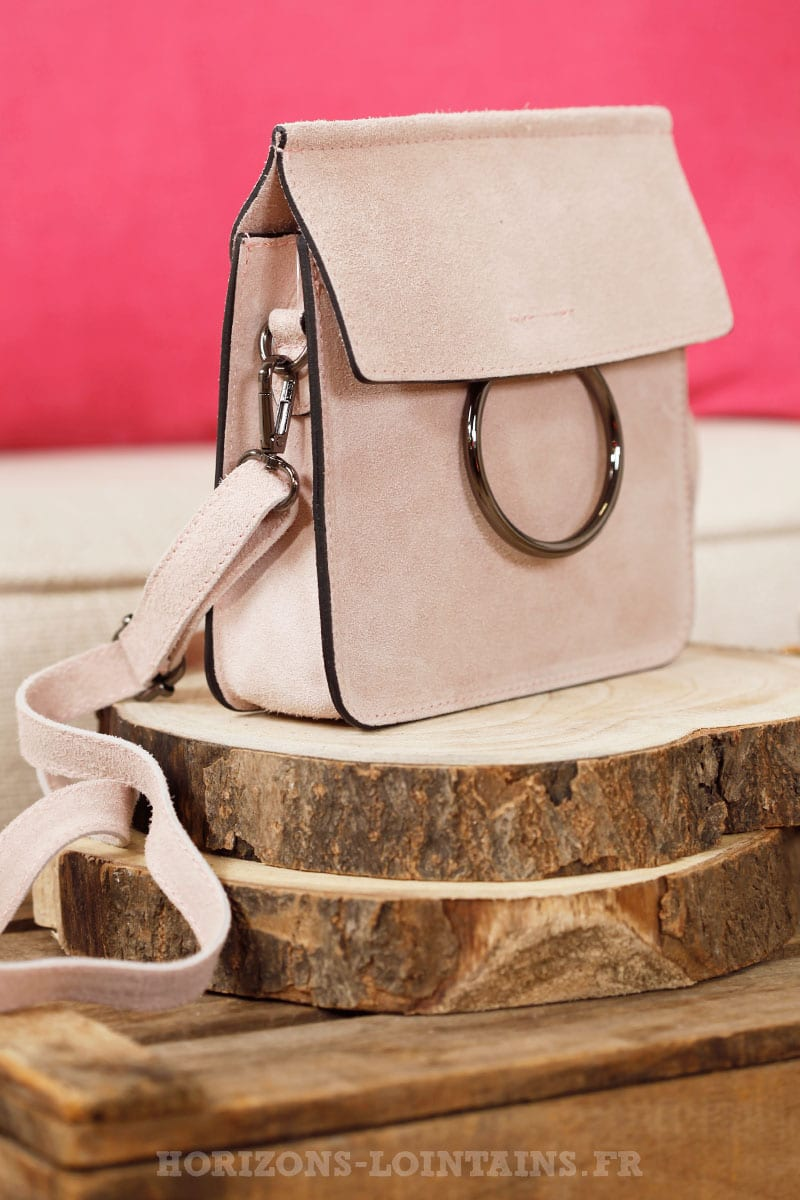 cfdccccb16 Petit sac rigide rose, boucle rabat, croûte de cuir - Horizons Lointains