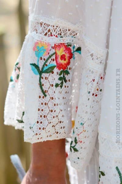 Tunique ample blanche broderies fleurs
