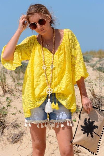 Tunique jaune brodée, doublée, col lacet pompons