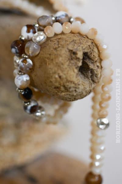 Collier perles trio anneaux métal beige
