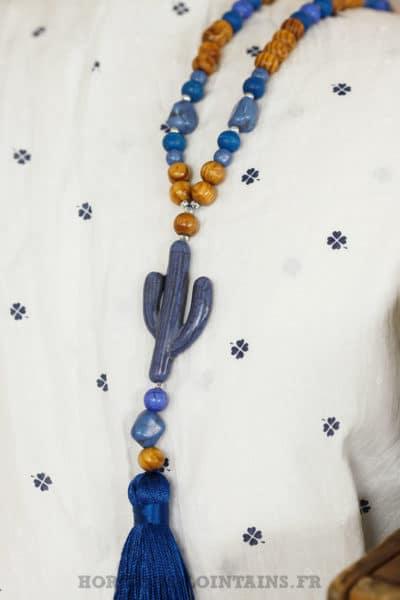 Sautoir perles de bois, cactus bleu